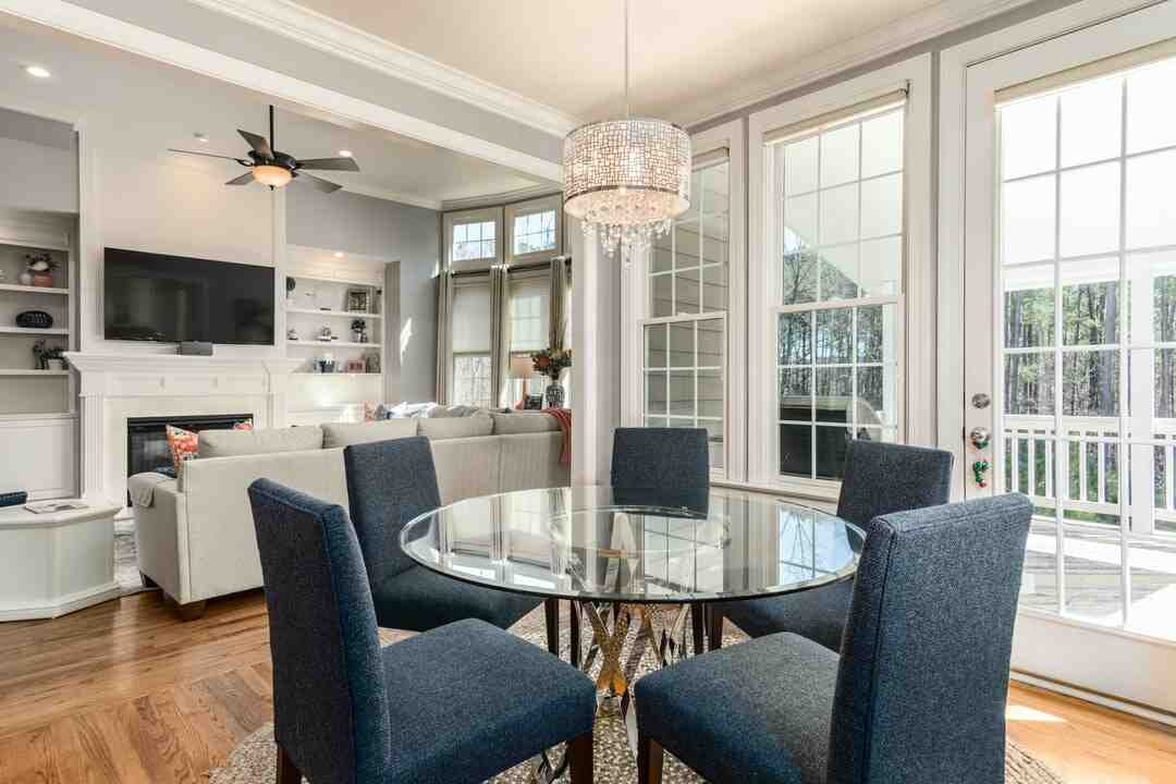 How much do real estate photographers make
